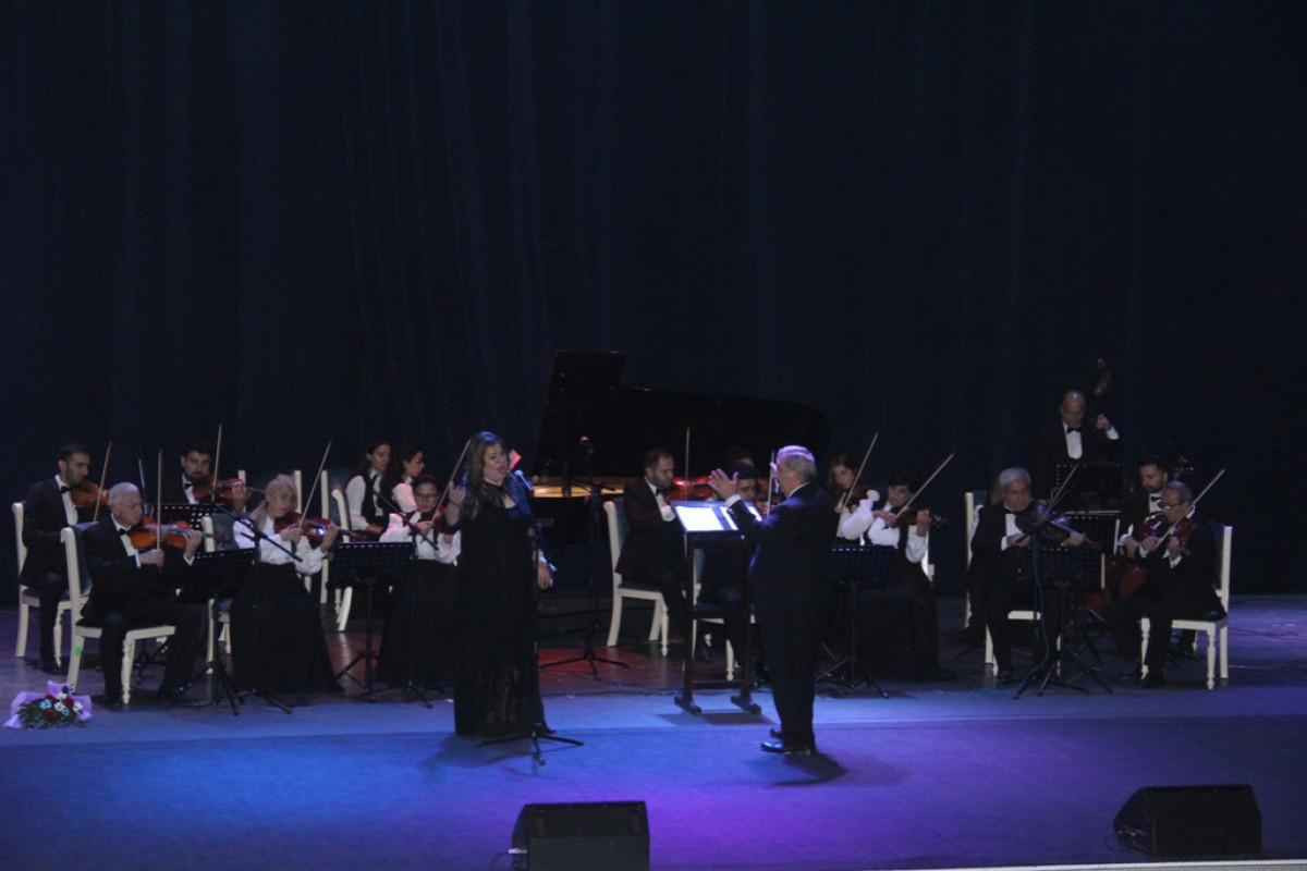 Gəncədə II Azərbaycan Beynəlxalq Vokalçılar Festivalı keçirilib - Fotolar