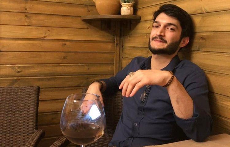 """Azərbaycanlı şair: """"Hər ay ABŞ-dan mənə pul gəlir"""" – Müsahibə"""
